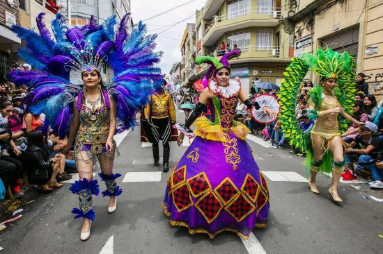 Ministerio de Turismo prevé que se movilicen unas 700.000 personas por Carnaval en Ecuador