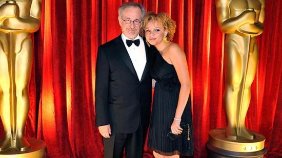 Una hija de Steven Spielberg revela que quiere ser actriz porno y estríper