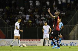 Liga de Portoviejo cae 4-2 ante Deportivo Cuenca en el Reales Tamarindos