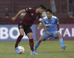Universidad Católica buscará difícil remontada ante Lanús por Sudamericana