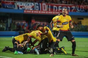 Barcelona clasifica a la fase de grupos de la Copa Libertadores tras golear a Cerro Porteño