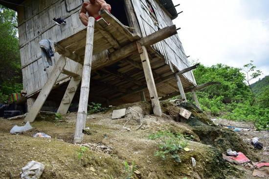 En Manabí varias casas están en riesgo de colapsar por las fuertes lluvias