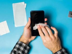 Cómo limpiar y desinfectar tu teléfono para prevenir el coronavirus