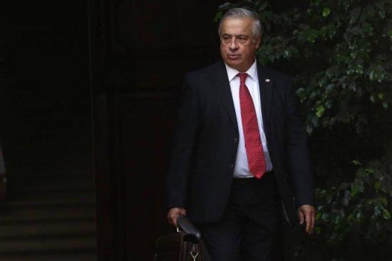 Chile considera 'insensato e innecesario' establecer una cuarentena total