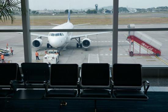 Un avión de Iberia repatriará el domingo a españoles varados en Ecuador