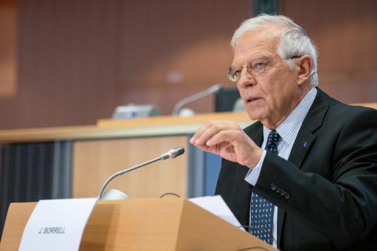 Borrell critica a alcaldesa de Guayaquil por ''estigmatizar'' a europeos con el incidente del avión