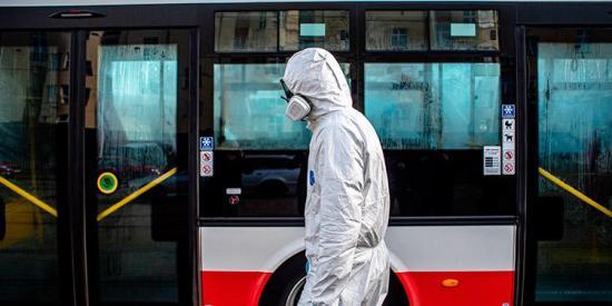 Estrategia del Reino Unido puede causar hasta 70.000 muertes más por coronavirus