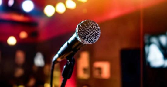 Policías detenidos en Bolivia por ir de karaoke en plena cuarentena