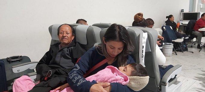 Miles de ecuatorianos en el exterior exigen regresar a su país