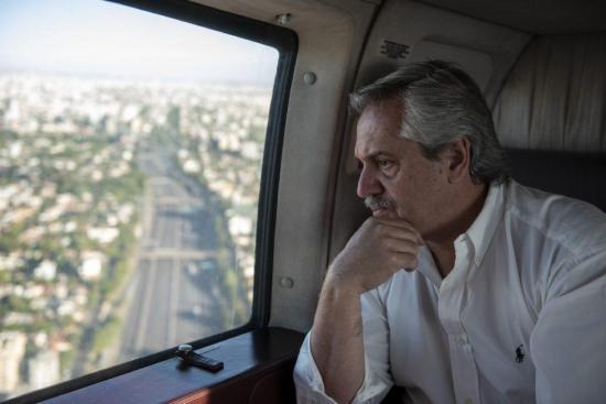 """Presidente de Argentina: """"Lo que no entra con la razón, va a entrar con la fuerza"""""""
