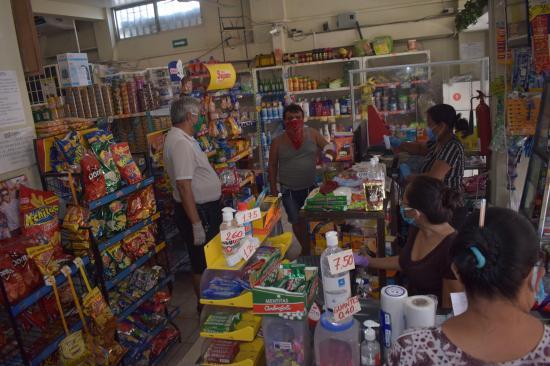 En Manta hay locales comerciales y de comida que ofrecen servicio a domicilio