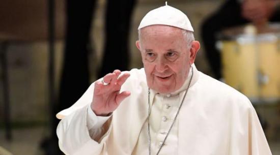 El Papa, negativo en la prueba de coronavirus después de que un colaborador resultara contagiado