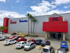 En Manabí los supermercados abren mas temprano por el toque de queda