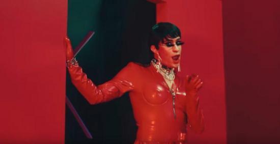 Bad Bunny se transforma en mujer para el vídeo de ''Yo Perreo sola''