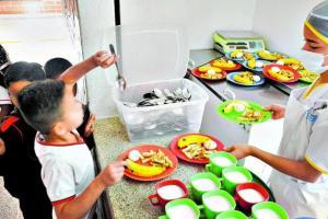 80 millones de niños en Latinoamérica se quedaron sin alimentación escolar
