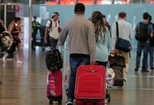 España repatriará en vuelo chárter unos 350 viajeros atrapados en Colombia