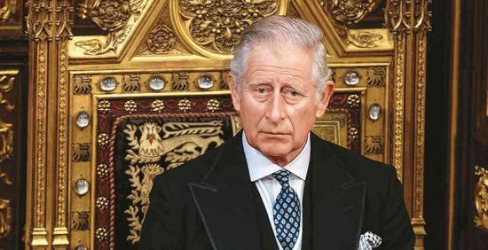 El príncipe Carlos termina su aislamiento por coronavirus