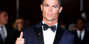 Cristiano Ronaldo: 'Quédate en casa y ayudemos a los sanitarios'