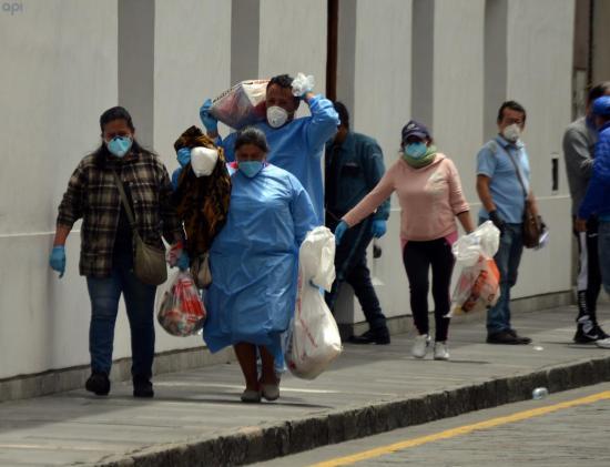 Ecuador registra 2.240 contagiados y 75 fallecidos por coronavirus