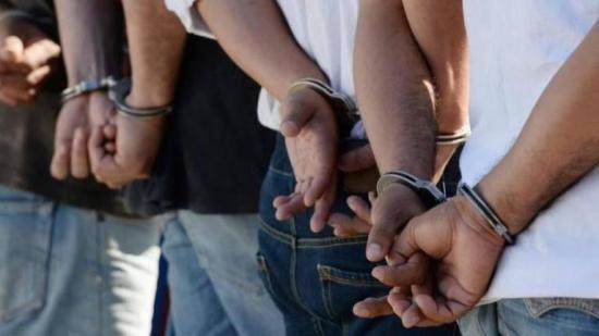 En Manabí la Policía ha multado a 250 personas por irrespetar el toque de queda