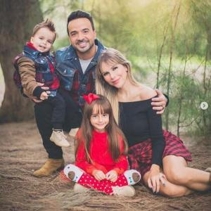 La hija de Luis Fonsi debuta en las redes cantando ''We Are The World''