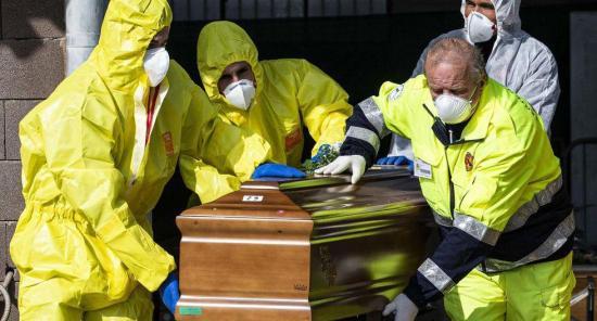 Los fallecidos en Italia ascienden a 12.428, 837 más en un día