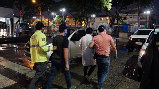 Detienen a un hombre que decía tener la cura del coronavirus en Ecuador