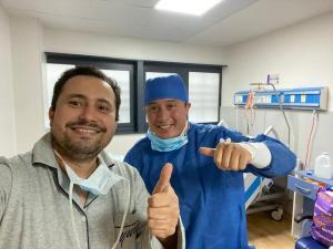 Médico manabita que pedía oraciones se recupera del coronavirus Covid-19