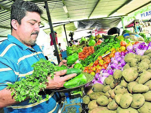 Proponen crear Grupos de Productores de Proximidad para abastecer de alimentos a Manabí