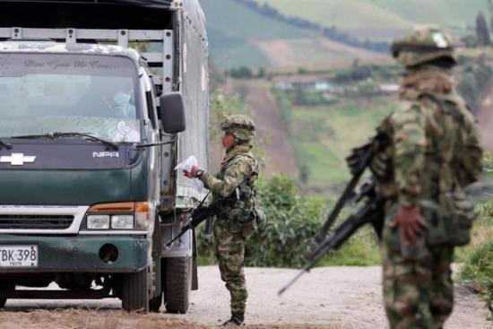 Colombia intenta cerrarle la puerta al COVID-19 por su frontera con Ecuador