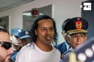 Ronaldinho cumple un mes de encierro, en medio de la emergencia por COVID-19
