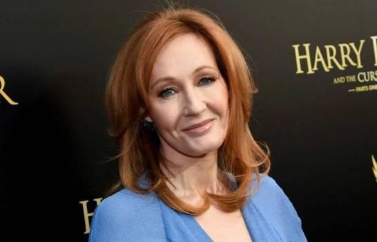 J.K. Rowling revela que tiene coronavirus pero ya está recuperada