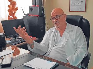 Muerte del médico Gustavo Munizaga causa pesar entre familiares y colegas