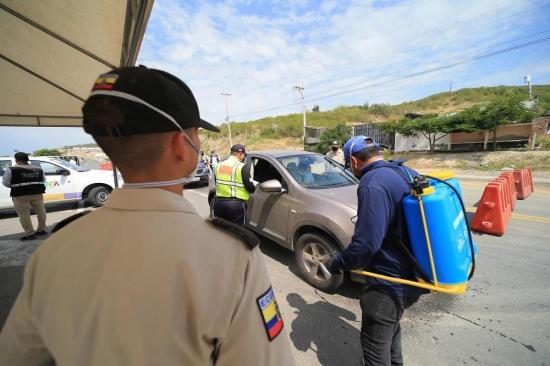 250 sancionados en Manta por infringir restricción de movilidad y toque de queda