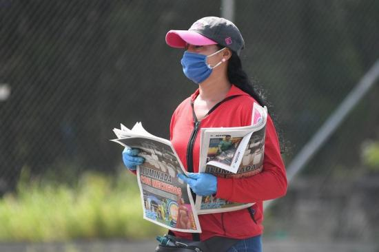 El covid-19 no se transmite a través del papel periódico