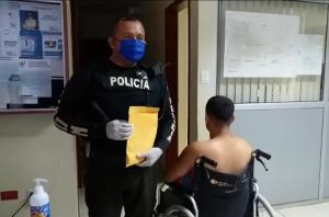 Detienen a un hombre en silla de ruedas por intento de asesinato