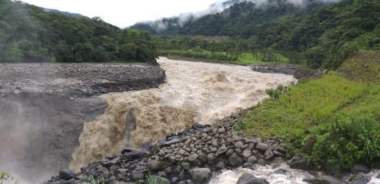 Ministro confirma un ''daño grave'' en la refinería de Esmeraldas