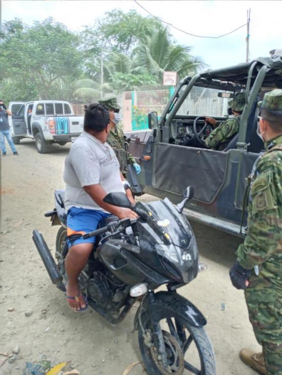 Detienen a 16 personas en operativo realizado en Portoviejo