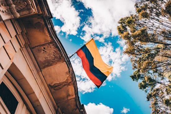 Colombia llega al centenar de muertos por Covid-19 y supera los 2.700 casos