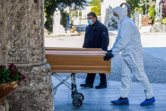 La OMS confirma casi 100.000 muertes por covid-19 en el mundo
