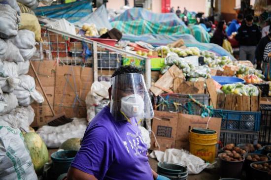 Sindicatos y empresarios rechazan plan de contribución anticrisis en Ecuador