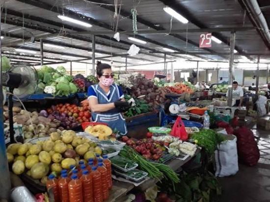 Los mercados en Portoviejo retoman la atención hasta las 12h00