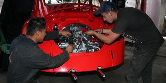 Autorizan la comercialización de repuestos y atención en los talleres de mantenimiento vehicular