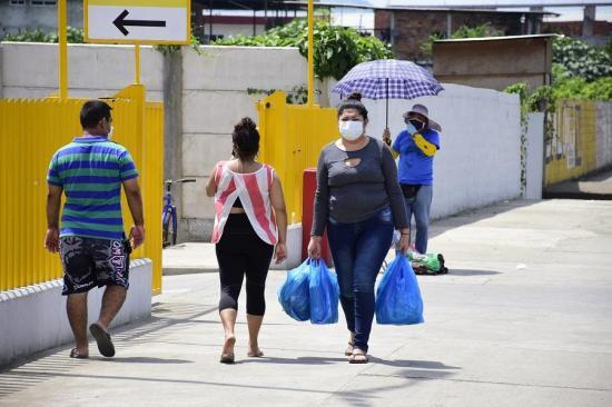 PORTOVIEJO: Centros de abastos atenderán hasta el viernes