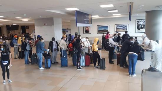 Tras la pandemia, cerca de 3.000 ecuatorianos buscan regresar al país