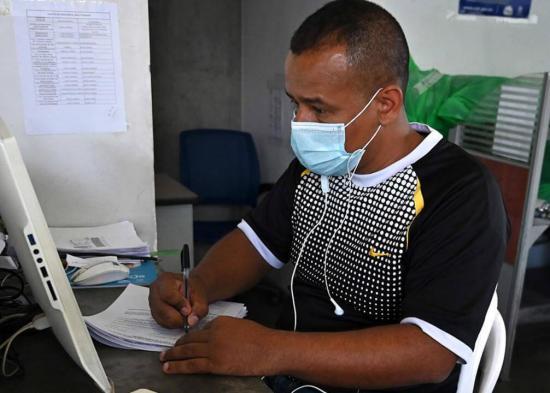 El Ministerio de Trabajo analiza la suspensión laboral sin sueldo