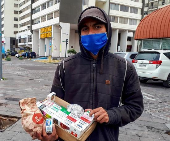 Dilema en los migrantes venezolanos en Ecuador: el hambre o irse