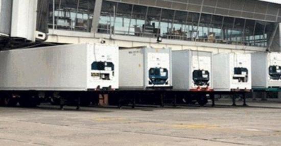 Municipio de Quito instala morgues móviles para encarar avance del COVID-19
