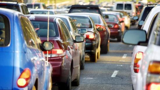 Este viernes 17 de abril pueden circular los vehículos con placas terminadas en 9 y 0