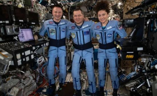 Astronautas vuelven a casa después de pasar 200 días en el espacio